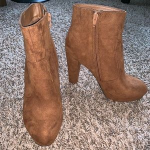 LIKE NEW! Mossimo Tan Faux-Suede Booties, Size 7.5
